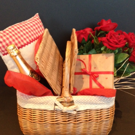 Luxury Valentine Hamper.