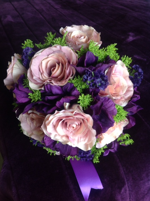 Bridal Posies, Dusky pink roses, anemones and statice