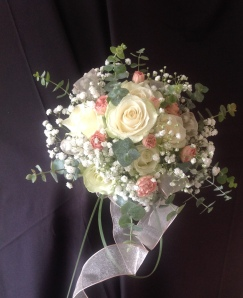 Fresh flower bouquet and centrepieces 7